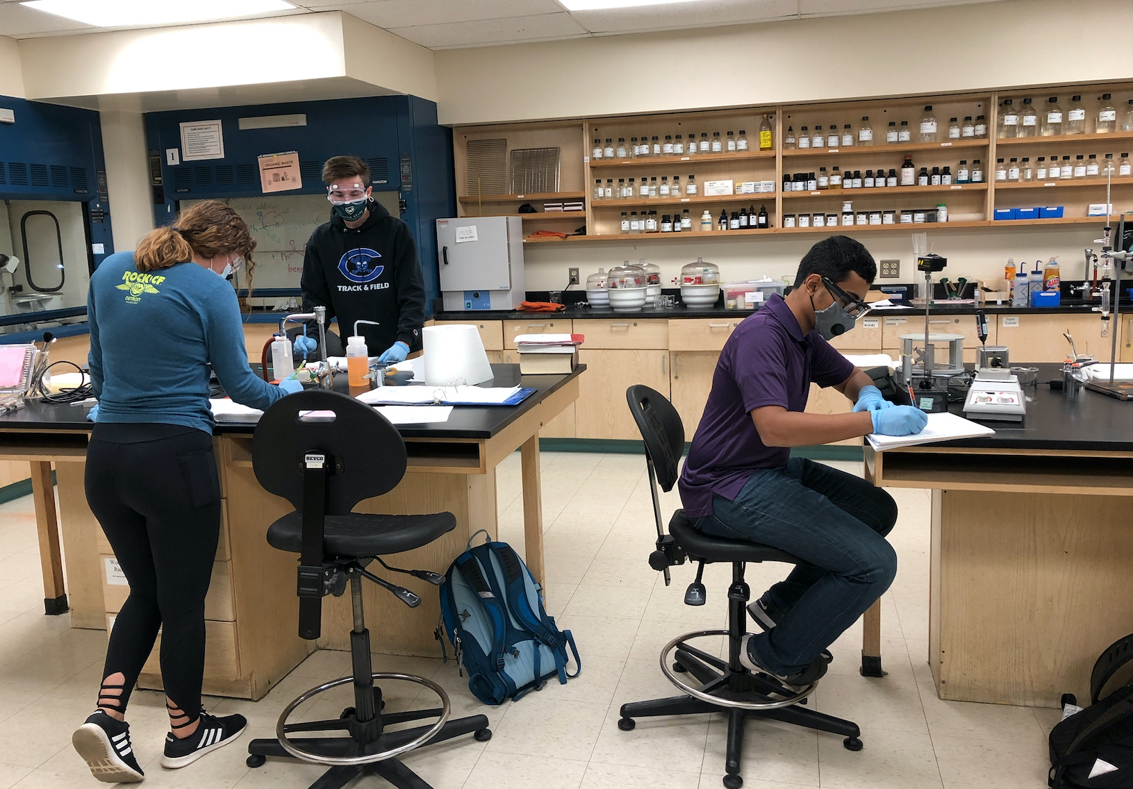 Students in Organic Chemistry Lab following social distancing measures and other additional safety protocols. Photo taken by Yasmeen Berry
