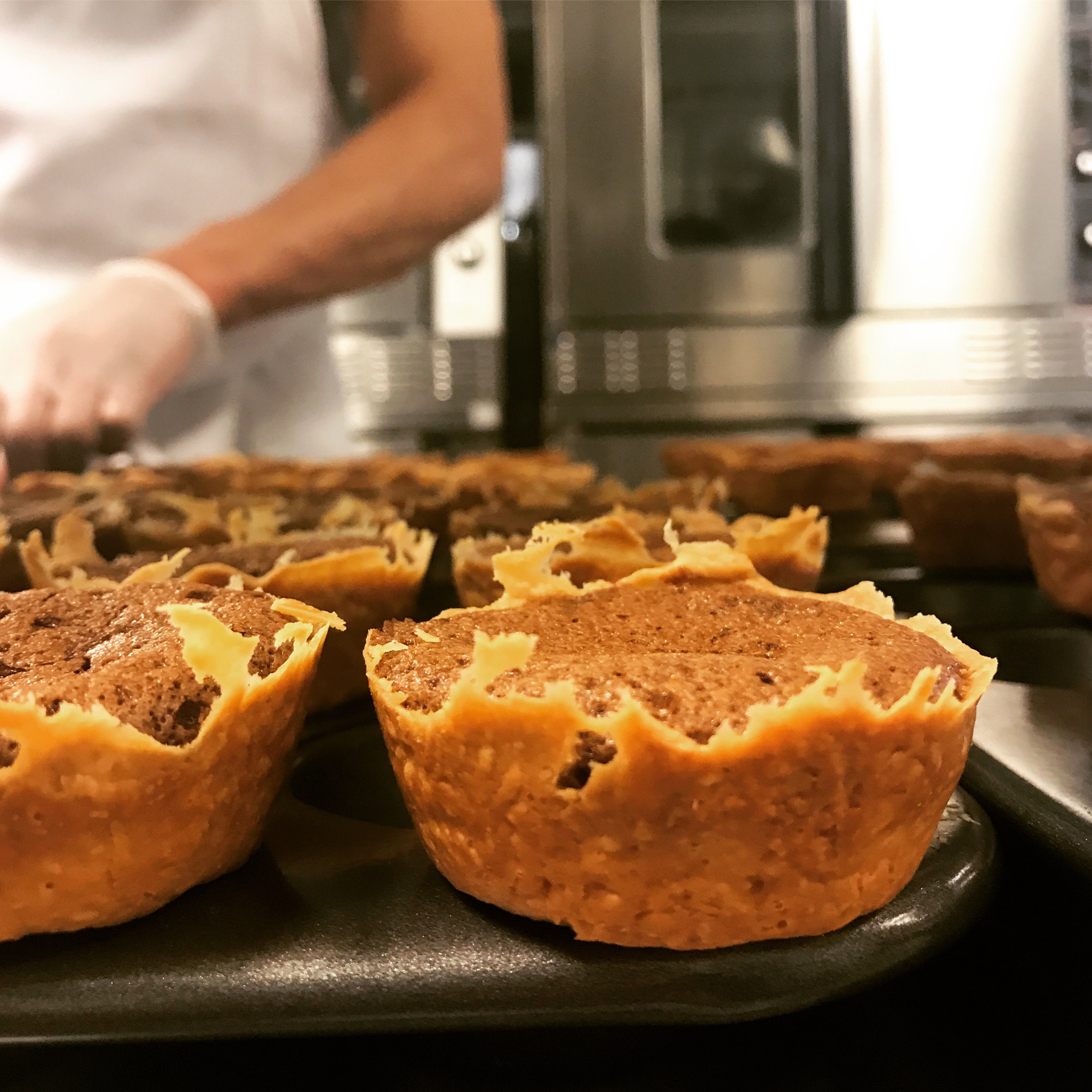 Picture of A chef working on tarts