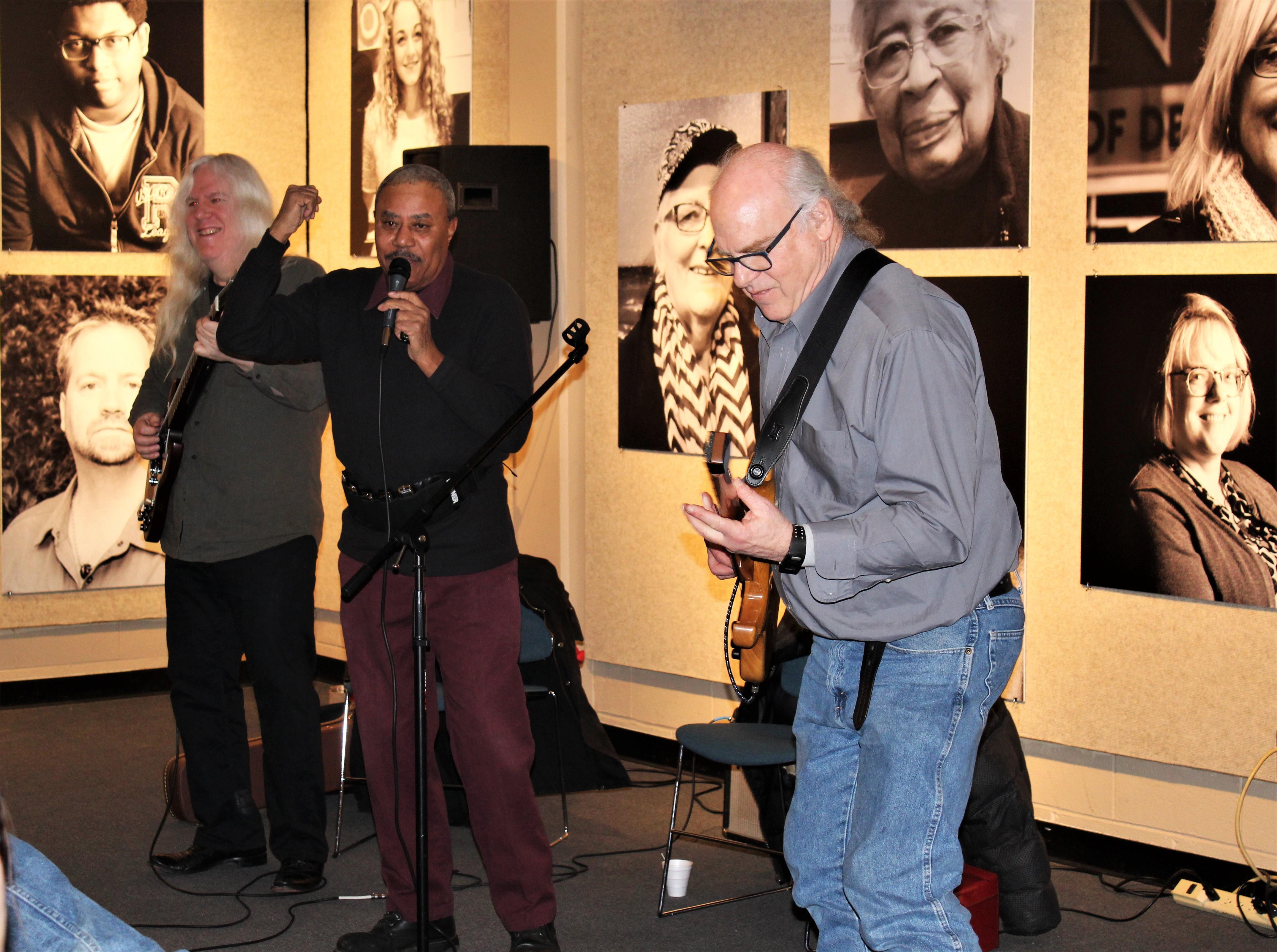 HFC's Steve Glazer plays with blues duo Howard Glazer and Harmonica Shaw