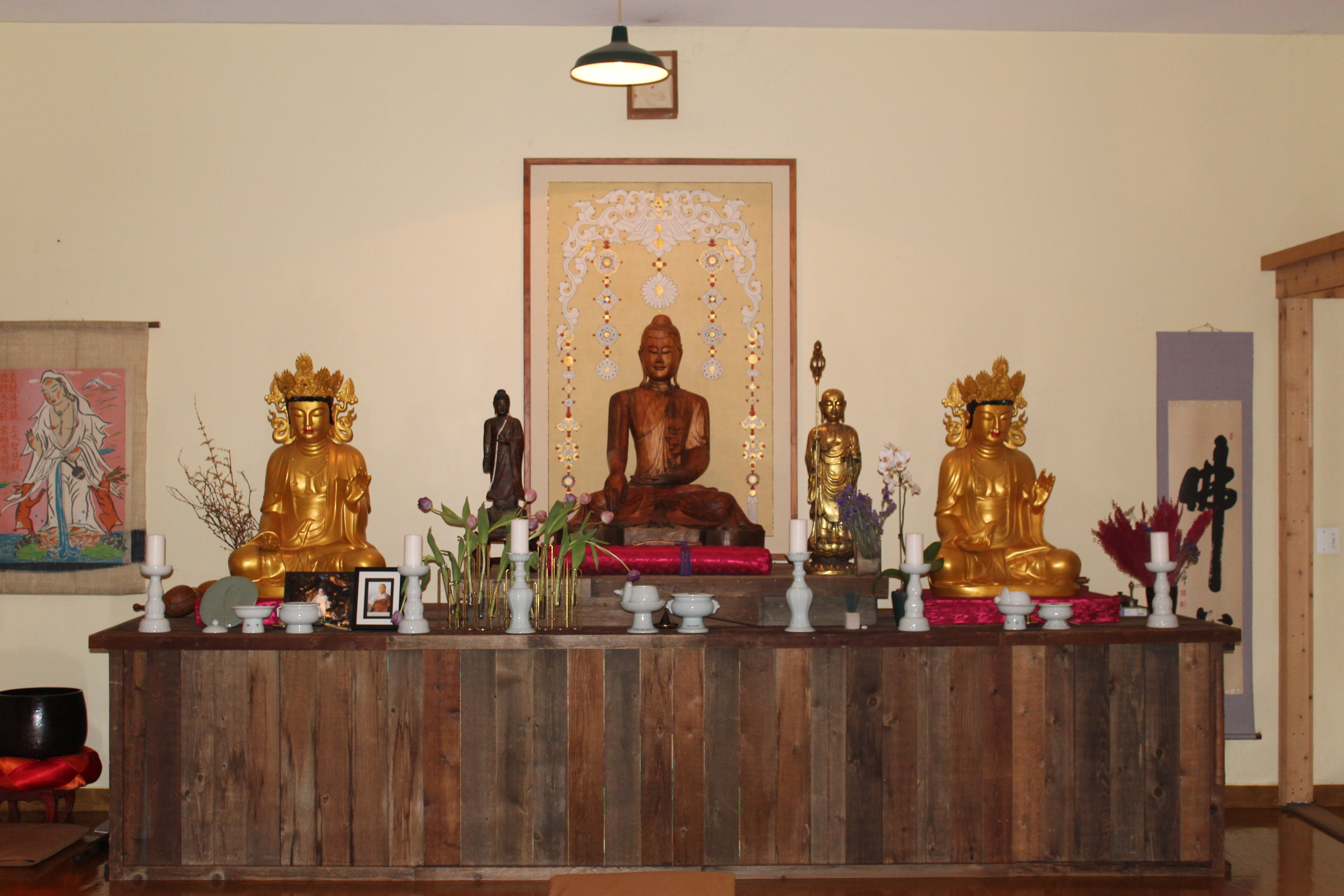 Buddhist shrine at Detroit Zen Center