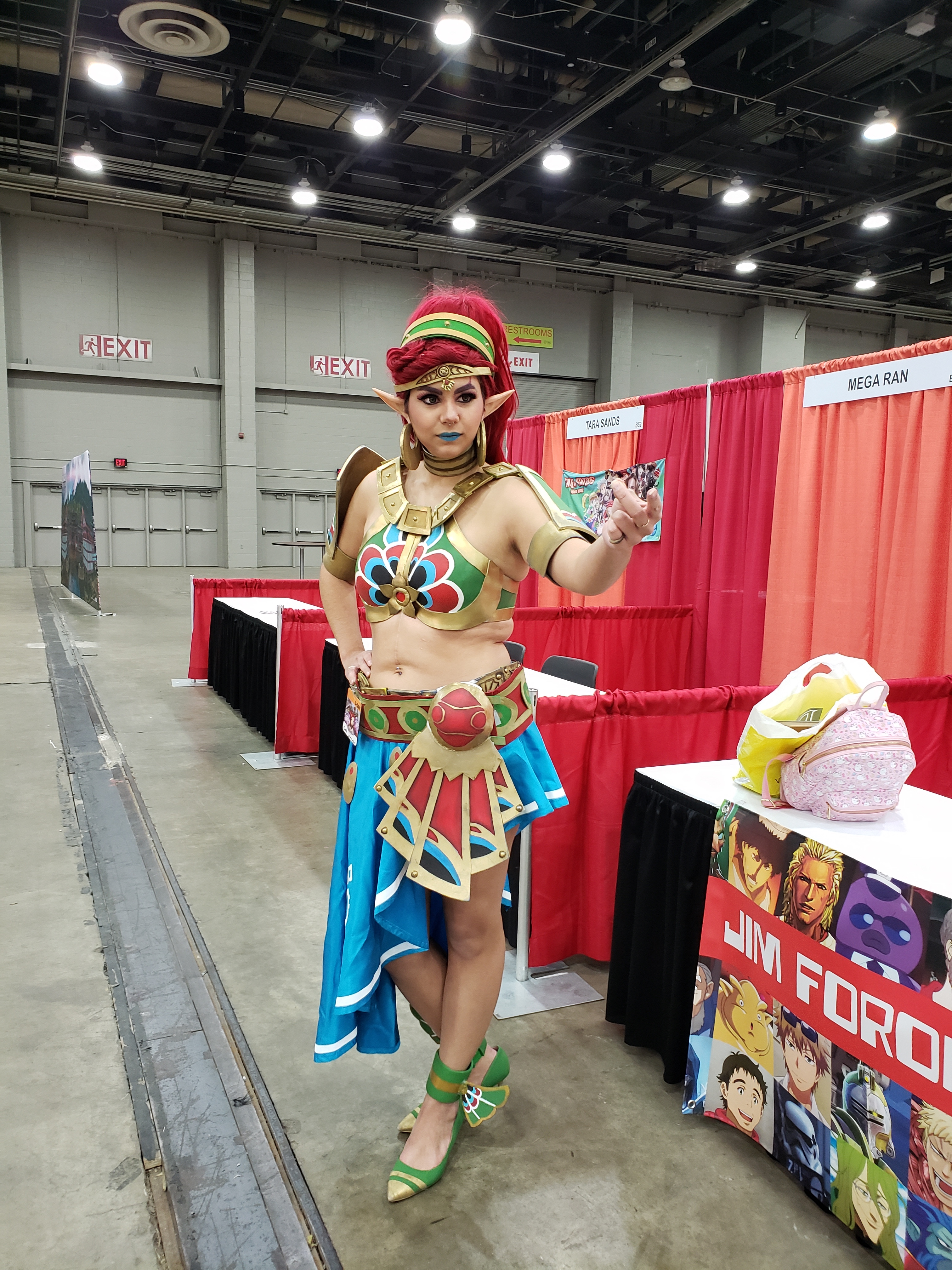 A woman cosplaying as Buliara from Legend of Zelda