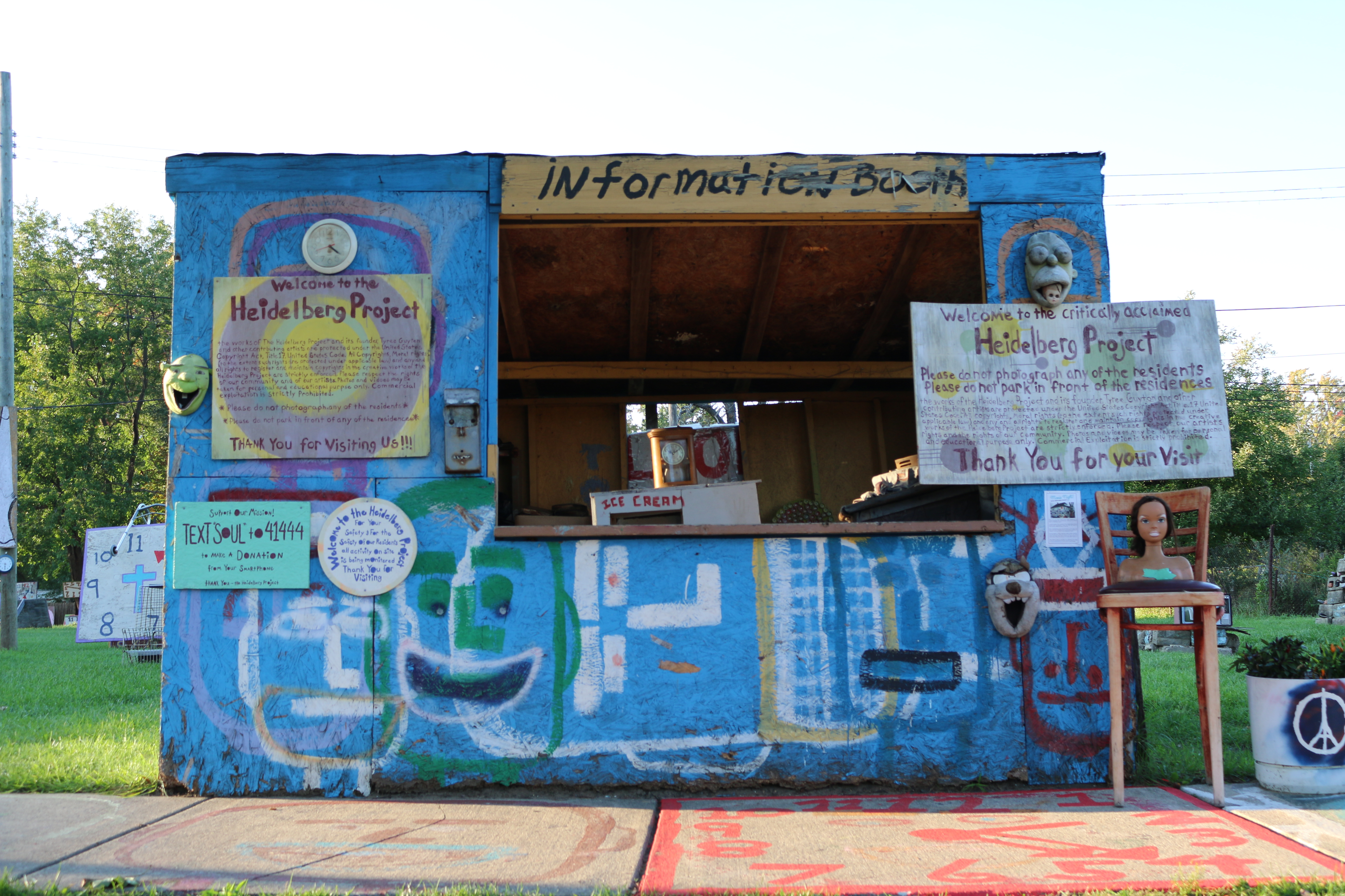 Photo of Heidelberg Project information booth.