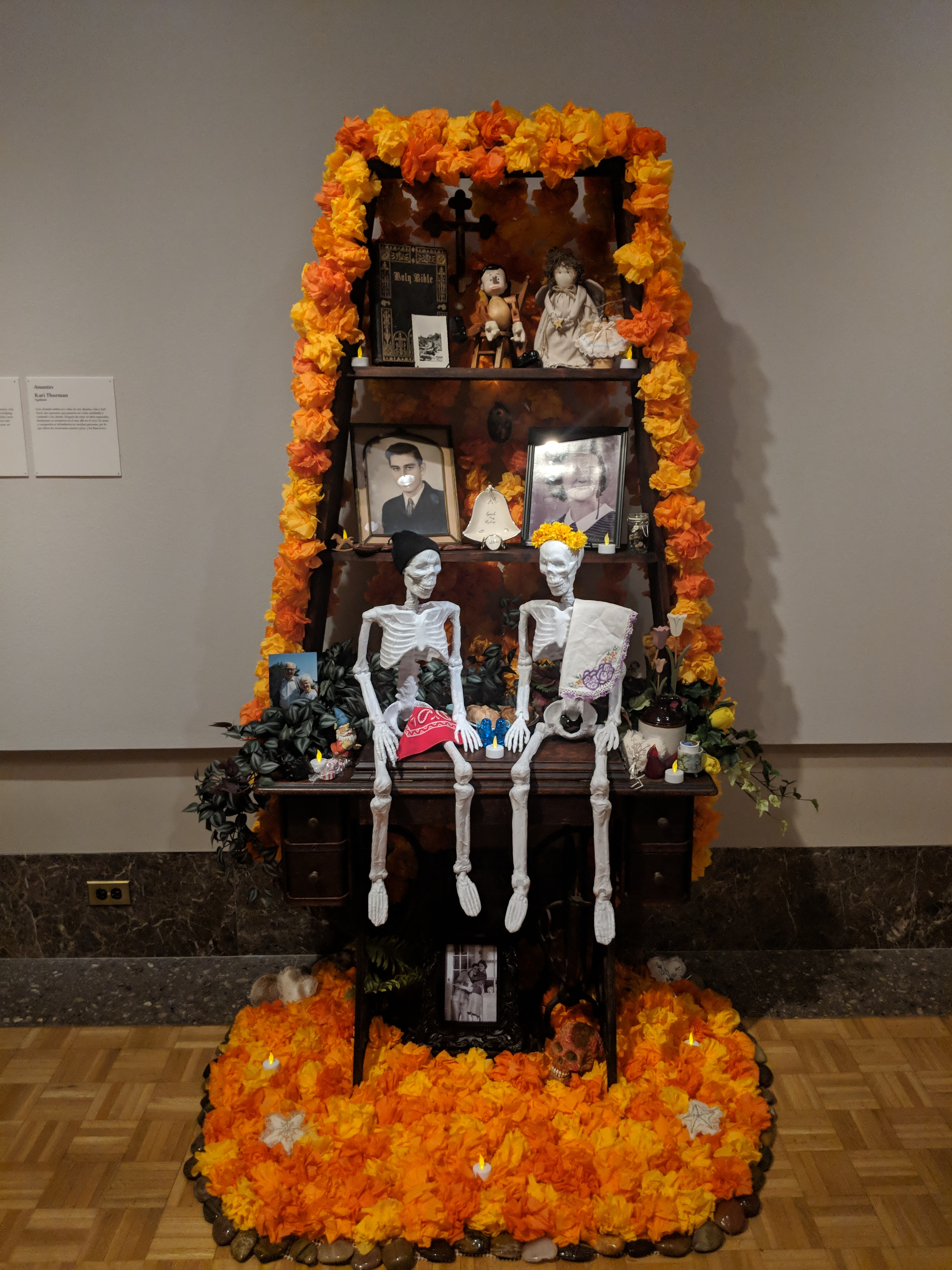 "Photo of the ofrenda ""Paramours"" by Kari Thurman"