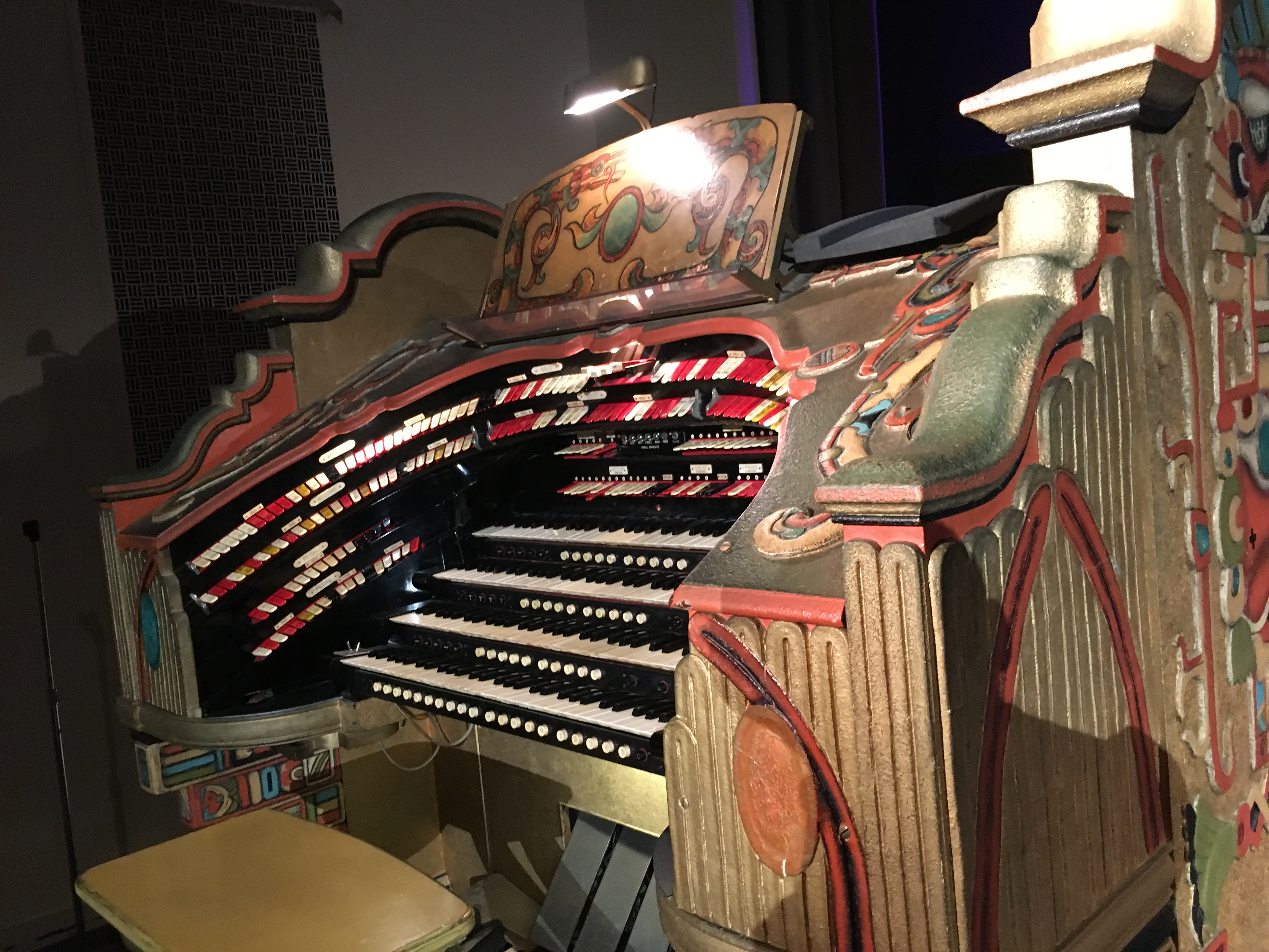 Photo of Wurlitzer Organ at The Senate. Photo by Mirror News staff
